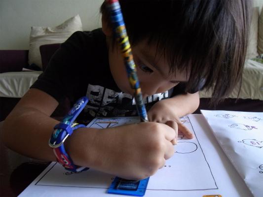 定規の使い方を5歳で習うとは思いもしなかった!日本語もがんばろう息子!!