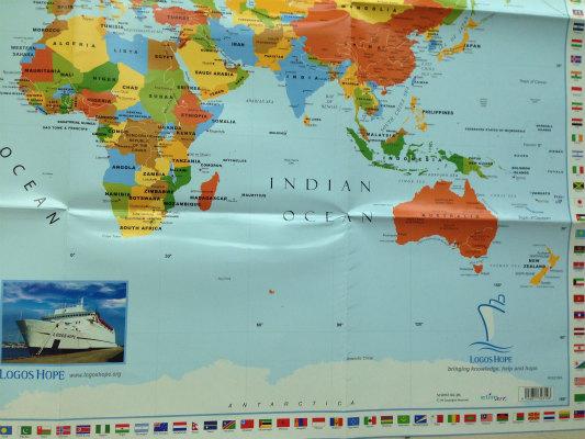 LOGOS HOPEのロゴ入り世界地図、なかなか見やすくて良いのだけどペナンが載ってない(涙)